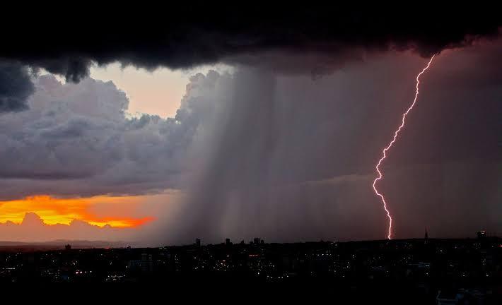 Hujan Lebat dan Petir