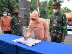 Ketua Yasarini Pengurus Cabang Lanud Suryadarma Resmikan Gerbang SMK Angkasa 2 Kalijati