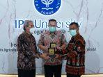 Kang Jimat Kerjasama UNSUB dan IPB