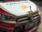 Geger, Mobil Berlapis Emas di Subang