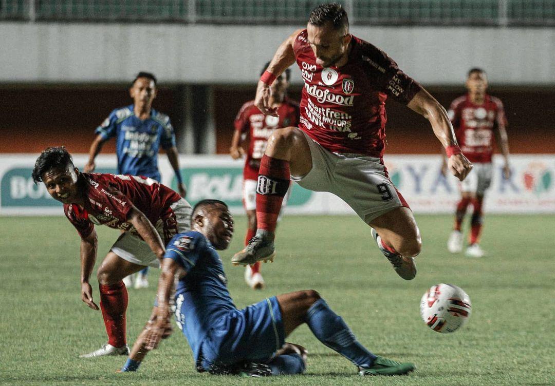 Persib vs Bali Utd